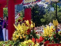Spirit Mountain Casino Grand Floral Parade Chalet Row 2019