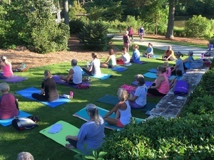 Yoga in the Park: Gwinnett Historic Courthouse