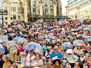 Singin' in the Square with Low Bar Chorale: Prince Edition
