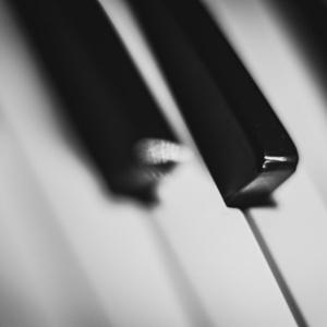Guest artist: Stephen De Pledge, piano