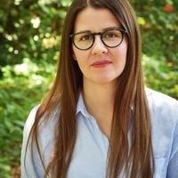Visiting Author Kirsten Arnett