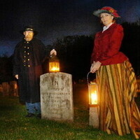 'Gate Night's Hyde and Shriek Halloween Candlelight Ghost Tour and Dinner