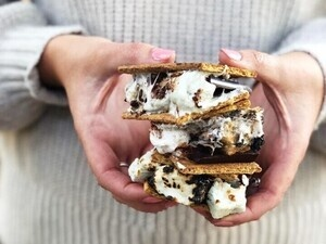 National S'mores Day with SMASHMALLOW