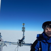 Living and Working on the East Antarctic Plateau – a travelog