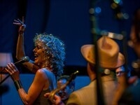 Judy Carmichael: Let's Swing!
