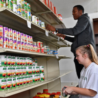 Volunteering at the Jamil Niner Student Pantry