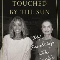 Book Signing: Carly Simon