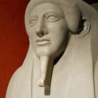 Mummies, Masks and Memorials: Writing Phoenician Social History from the Perspective of the Dead