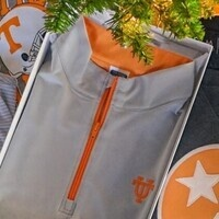 Volunteer Traditions Gives Back to UT Scholarships