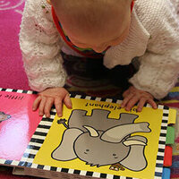 Born to Read and Be Bilingual (Nati per leggere): Children 0-12 Months