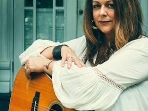 Donna Ulisse at Everett's Music Barn