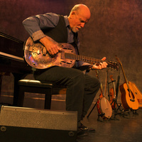 Legendary American Folksinger John McCutcheon at the Shady Grove Coffeehouse on November 3