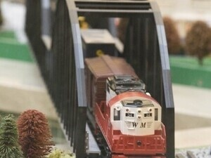Holiday Train Garden at The Shops at Kenilworth