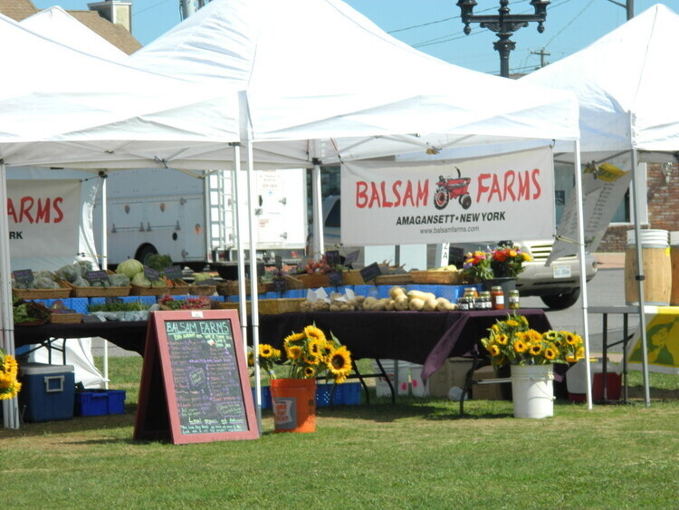 Montauk Farmers Market on the Green
