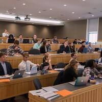 Landing Internships in Finance and Economics