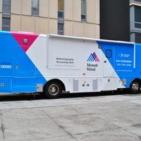 Mobile Mammography Van/Mamografía Móvil: AIG